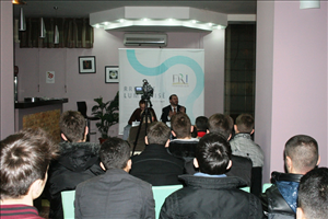 Në lokalet e FRI-së në Shkup u mbajtë tribunë