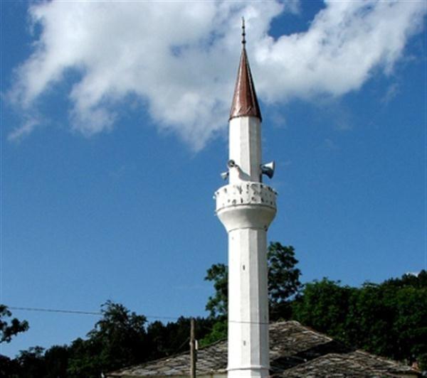 Absurde – Ortodoksët duhet të vendosin nëse myslimanët do të ndërtojnë xhami në Lisiçe të Epërme