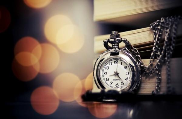"""Si e sqaroni hadithin ku Muhamedi s.a.v.s. transmeton se Allahu i Madhërishëm ka thënë:""""Unë jam koha""""?"""