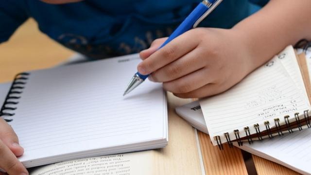 Oraret e provimeve në Britani të nxënësve muslimanë do të rregullohen sipas Ramazanit