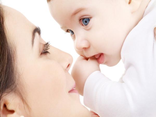 Nëse një grua ka fëmijë në gji, a mund të mos agjërojë?
