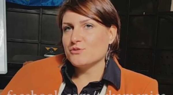 Serbja që e flet shqipen rrjedhshëm (VIDEO)