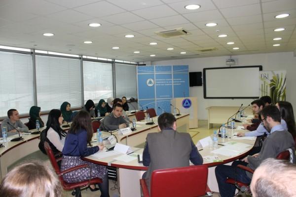 FRI dhe Paralamenti studentor i UEJL-së organizuan Konferencë studentore
