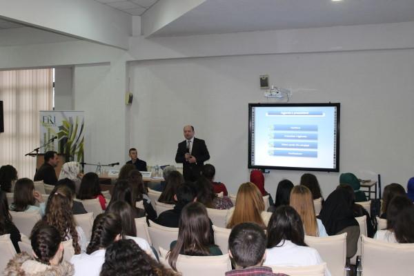 """FRI – Sektori i Femrës organizoi ligjëratë me maturantët e shkollës së mesme """"Zef Lush Marku"""""""