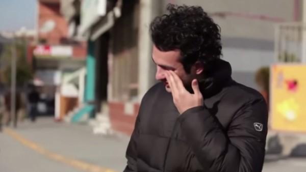 I gjith qyteti e mëson gjuhën e shurdhmemecëve për MUHAREMIN (Emocionale) – VIDEO