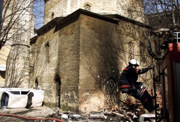 """""""Dita e xhamive"""" në Serbi, 11 vite më parë u dogjën xhamitë në Beograd dhe Nish"""