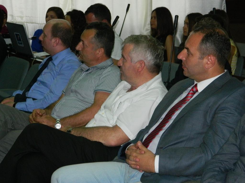 25 semimaturantë dekorohen si më të mirët e Tetovës nga FRI (3)