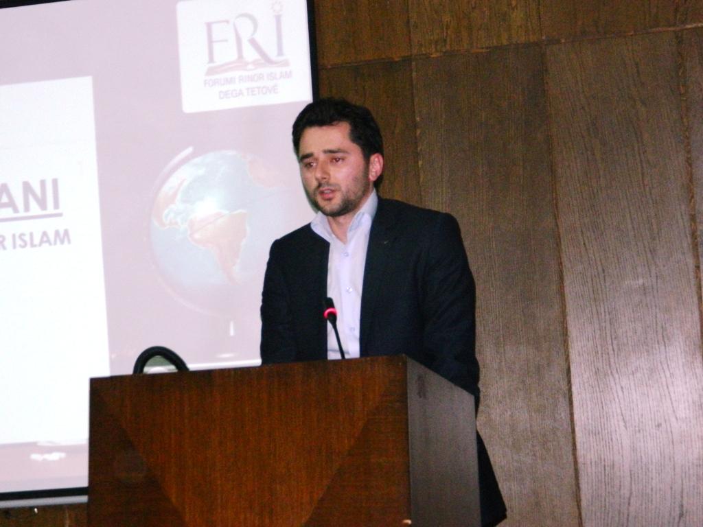 25 semimaturantë dekorohen si më të mirët e Tetovës nga FRI (7)