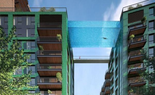 A do të notonit në këtë pishinë?
