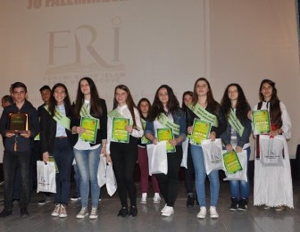 FRI shpërbleu maturantët dhe semimaturantët më të mirë të Kërçovës