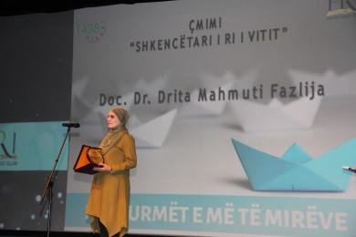 """Doc. Dr. Drita Mahmuti Fazlija fitoi çmimin """"Shkencëtari i vitit"""""""