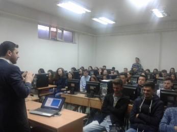 """Në gjimnazin e Tetovës u mbajt ligjëratë me temë """"Depresioni në këndvështrimin islam"""""""