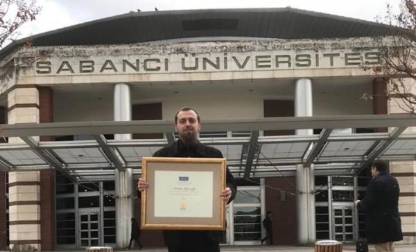 Artrim Qamili, shqiptari që u zgjodh ligjëruesi më i mirë në Turqi