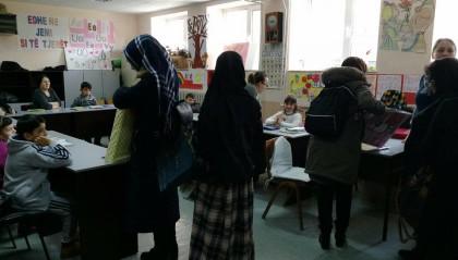 Në Tetovë, FRI ndau dhurata e ëmbëlsira për fëmijët me nevoja të veçanta
